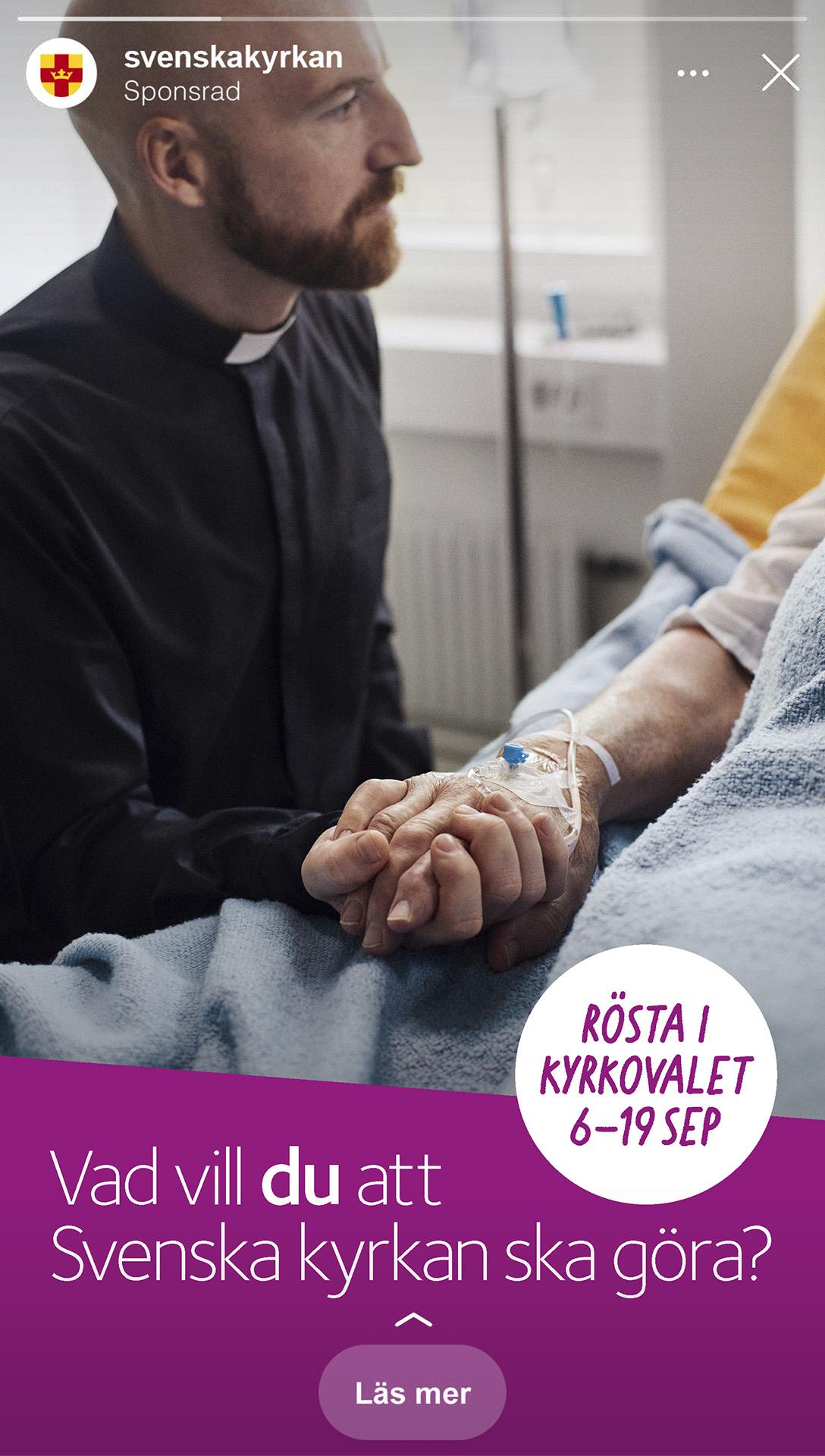 Bild från sociala medier på en läkare som håller en patients hand.